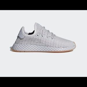 ADDIAS GREY DEERUPT RUNNERS